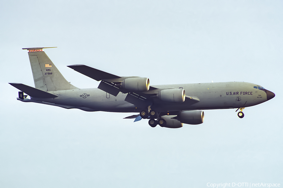 United States Air Force Boeing KC-135R Stratotanker (63-7988) | Photo 392550