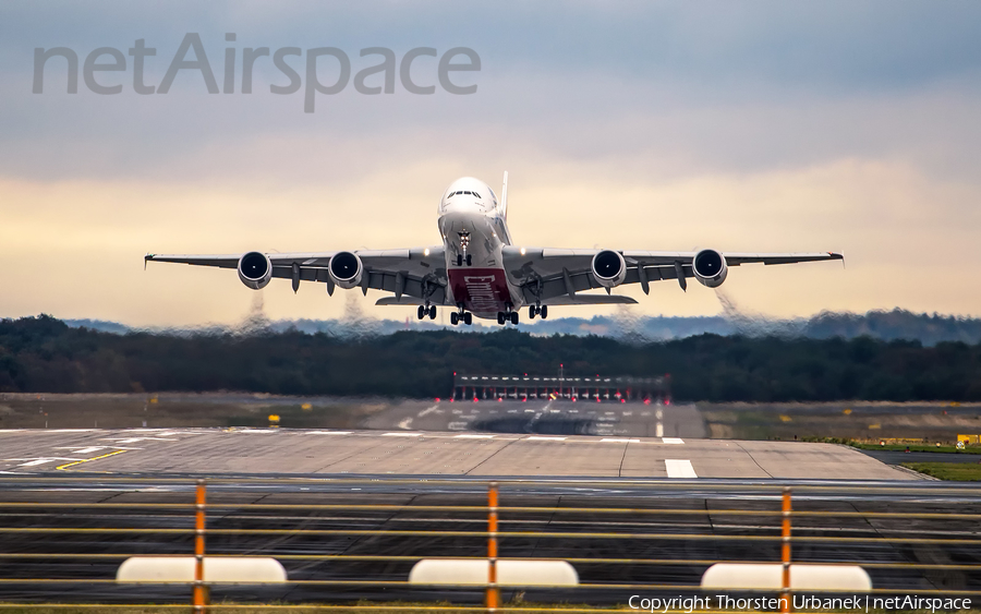 Emirates Airbus A380-861 (A6-EOJ) | Photo 128698