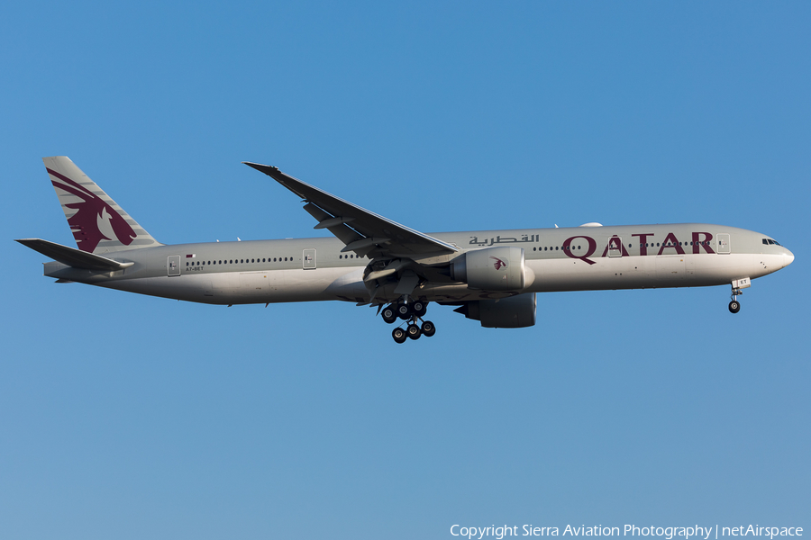 Qatar Airways Boeing 777-3DZ(ER) (A7-BET) | Photo 380281
