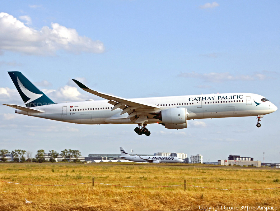 Cathay Pacific Airbus A350-941 (B-LRT) | Photo 374378