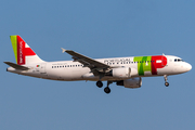 TAP Air Portugal Airbus A320-214 (CS-TNJ) at  Barcelona - El Prat, Spain