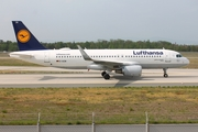 Lufthansa Airbus A320-214 (D-AIZW) at  Frankfurt am Main, Germany