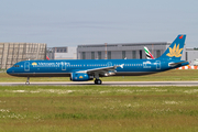 Vietnam Airlines Airbus A321-231 (D-AVZG) at  Hamburg - Finkenwerder, Germany