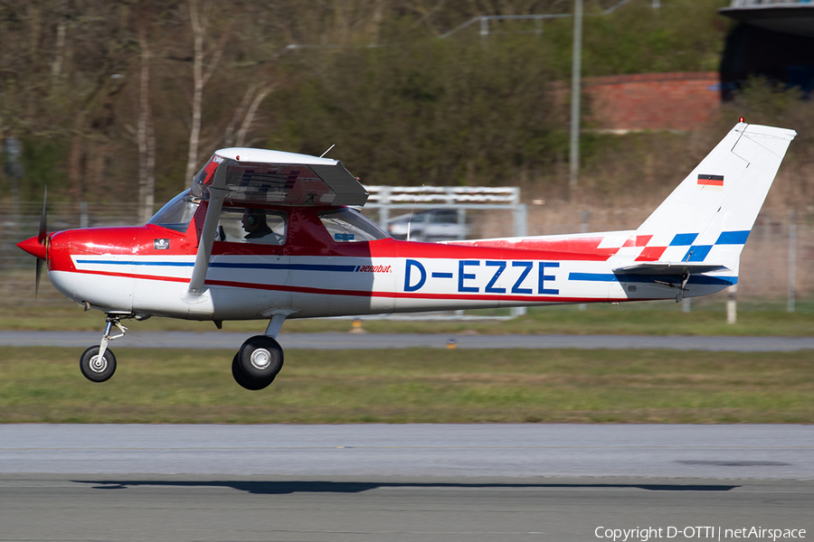 (Private) Cessna FRA150M Aerobat (D-EZZE) | Photo 380811