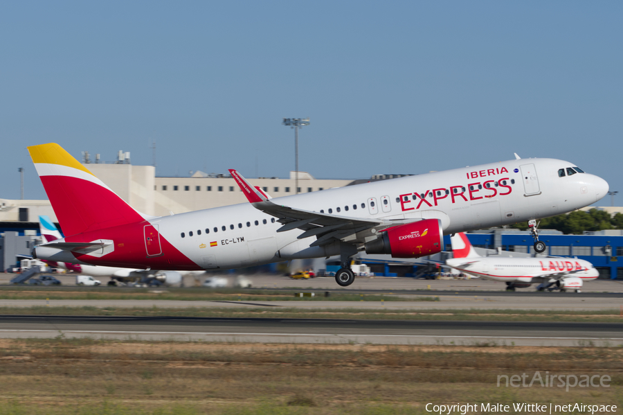 Iberia Express Airbus A320-216 (EC-LYM) | Photo 396132