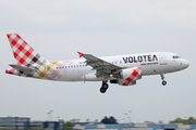 Volotea Airbus A319-111 (EC-MTL) at  Nantes/Bougenais - Atlantique, France