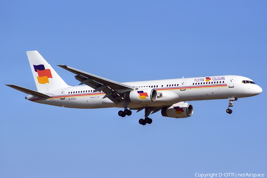 Flying Colours Airlines Boeing 757-28A (G-FCLI) | Photo 428786