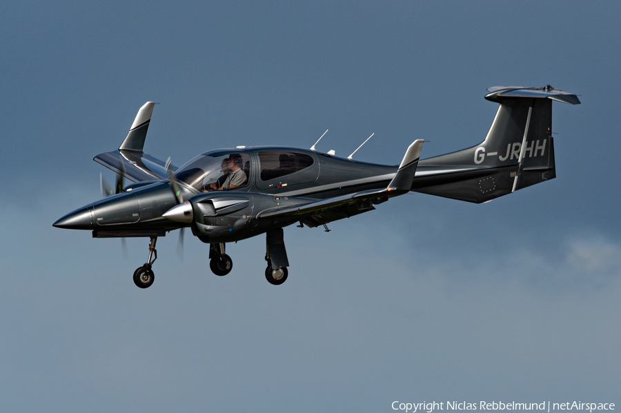 (Private) Diamond DA42 NG Twin Star (G-JRHH) | Photo 401764