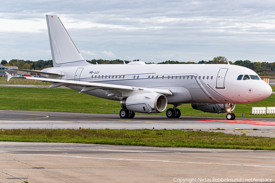 Nomad Aviation Airbus A319-133X CJ (HB-JJJ) | Photo 406639