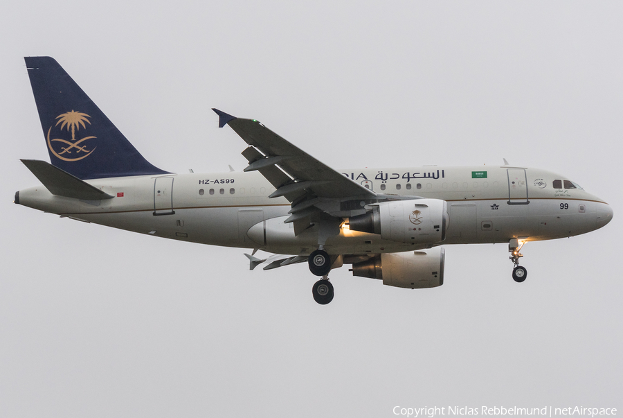 Saudi Arabian Royal Flight Airbus A318-112(CJ) Elite (HZ-AS99) | Photo 281053
