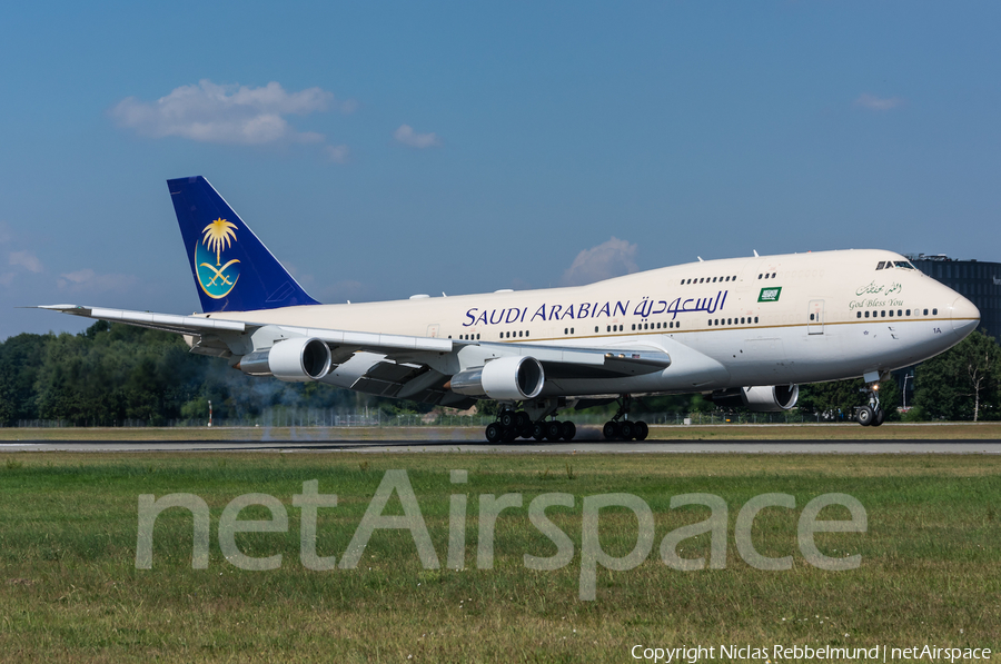 Saudi Arabian Royal Flight Boeing 747-3G1 (HZ-HM1A) | Photo 255807