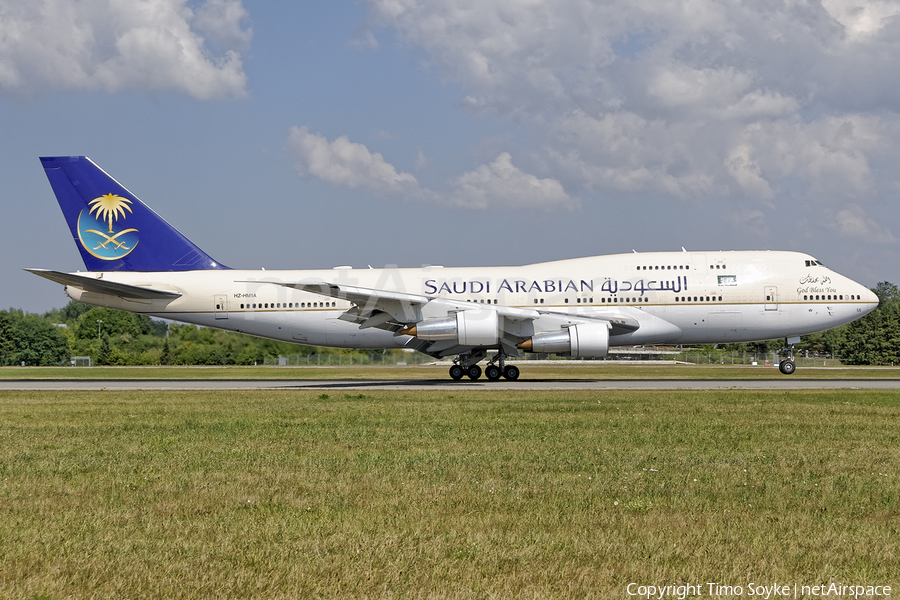 Saudi Arabian Royal Flight Boeing 747-3G1 (HZ-HM1A) | Photo 255917