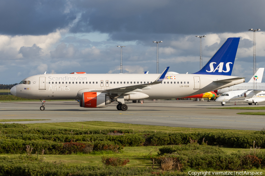 SAS - Scandinavian Airlines Airbus A320-251N (LN-RGM) | Photo 406312