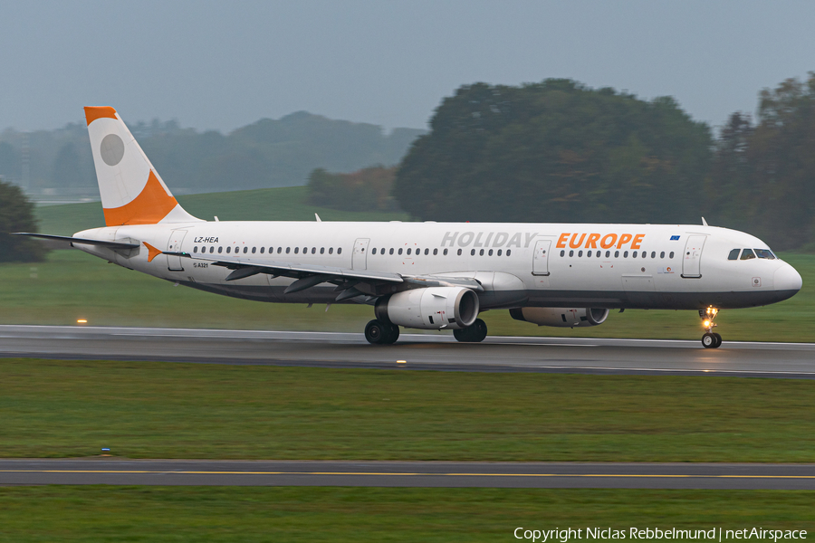 Holiday Europe Airbus A321-231 (LZ-HEA) | Photo 353801