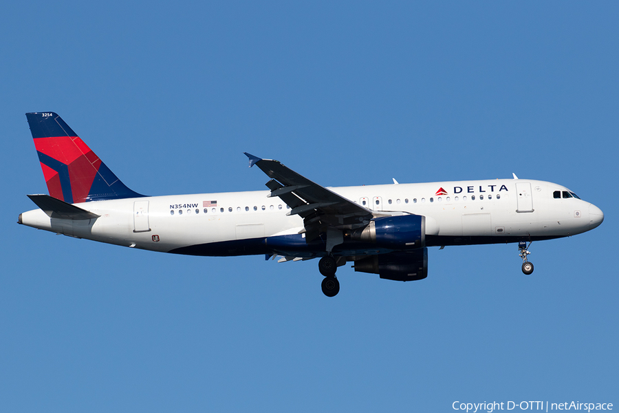 Delta Air Lines Airbus A320-212 (N354NW) | Photo 357528