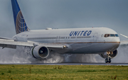 United Airlines Boeing 767-322(ER) (N657UA) at  Amsterdam - Schiphol, Netherlands