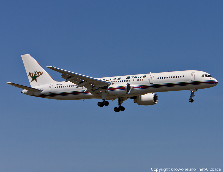 (Private) Boeing 757-236 (N757SS) | Photo 2680