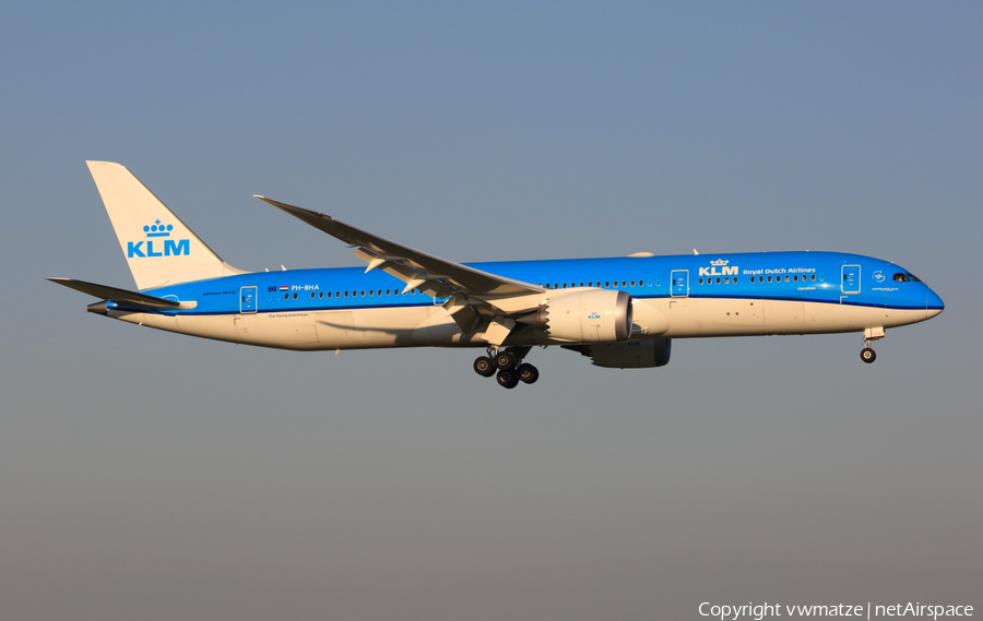 KLM - Royal Dutch Airlines Boeing 787-9 Dreamliner (PH-BHA) | Photo 120525