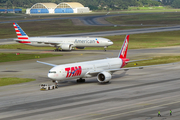 TAM Brazilian Airlines Boeing 777-32W(ER) (PT-MUI) at  Sao Paulo - Guarulhos - Andre Franco Montoro (Cumbica), Brazil