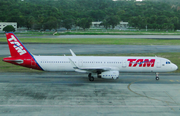 TAM Brazilian Airlines Airbus A321-231 (PT-MXM) at  Recife - Guararapes - Gilberto Freyre International, Brazil
