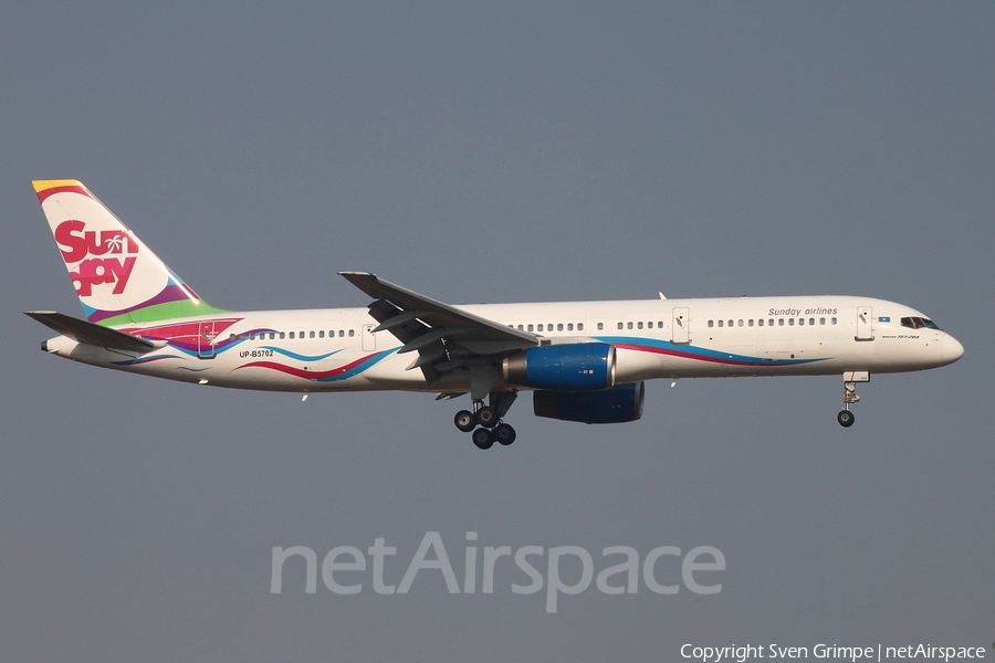 Sunday Airlines Boeing 757-21B (UP-B5702) | Photo 81916