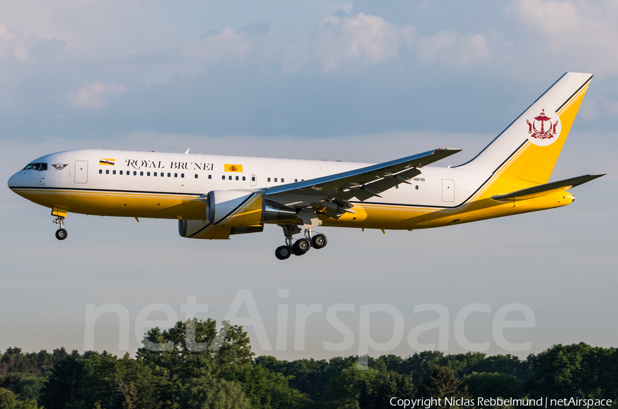 Royal Brunei Airlines Boeing 767-27G(ER) (V8-MHB) | Photo 325793