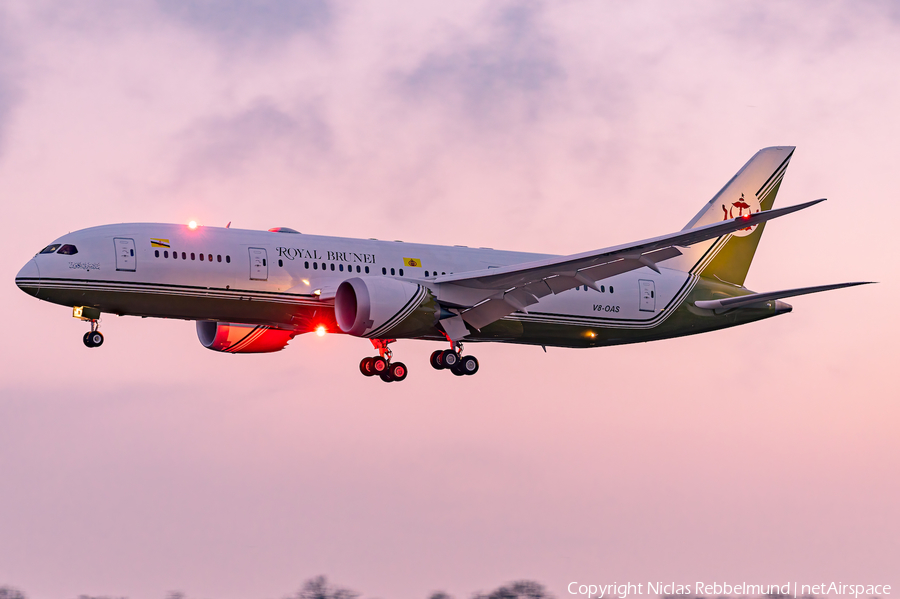 Brunei Sultan's Flight Boeing 787-8(BBJ) (V8-OAS) | Photo 441103