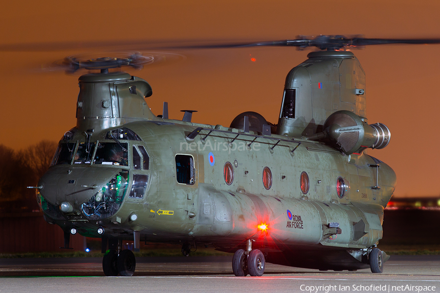 Royal Air Force Boeing Chinook HC.2 (ZA681) | Photo 102102