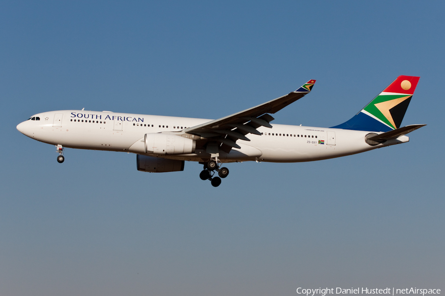 South African Airways Airbus A330-243 (ZS-SXY) | Photo 444194