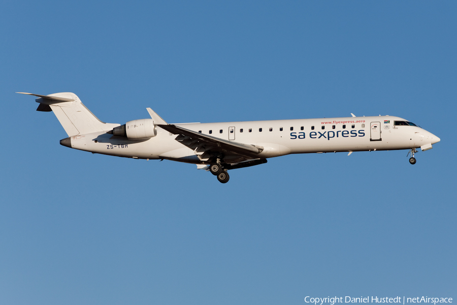 South African Express Bombardier CRJ-701 (ZS-TBH) | Photo 445384